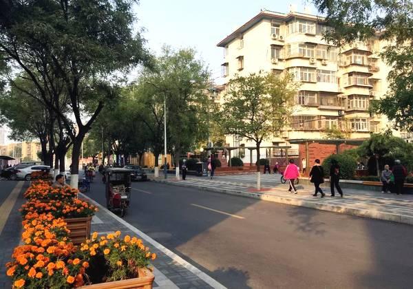 通州区复兴西路 通州区复兴西路是曾经出了名的脏乱小巷,经过两个多图片