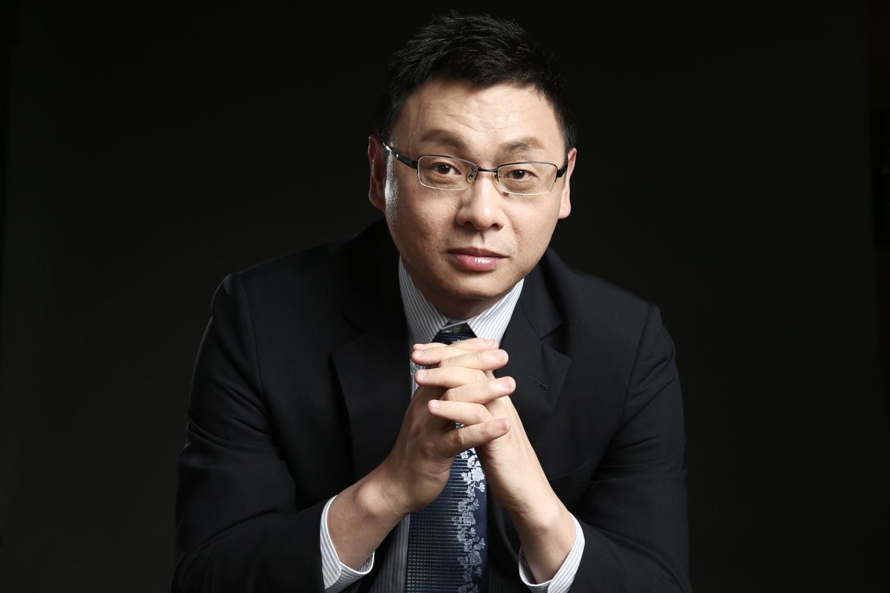 360颜水成获2017中国ai英雄风云榜技术创新人物