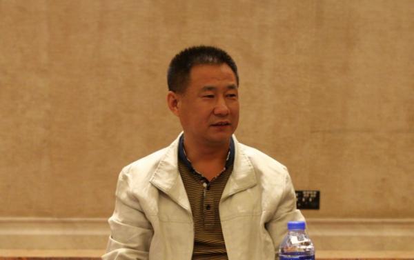 殷����9k��n�_天津农商银行党委书记,董事长殷金宝在办公室割腕身亡