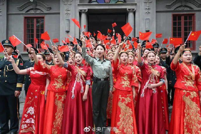 106对部队新人举办硬核婚礼,网友:我要去当兵!