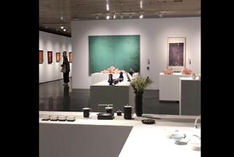 Contemporary Art Strikes a Pose at Tsinghua Art Museum
