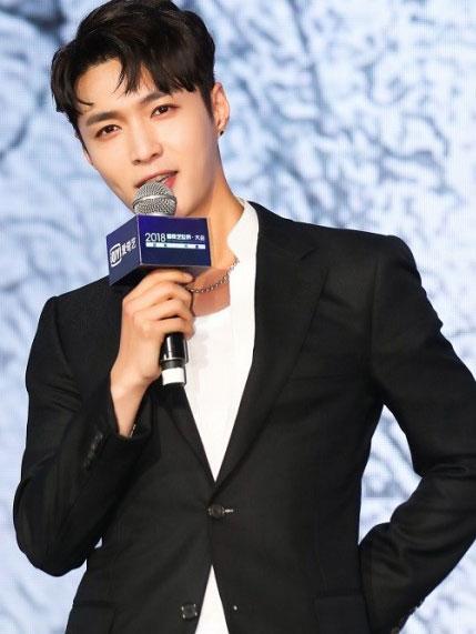 《中国新说唱》五大导师首度曝光 引导娱乐潮流