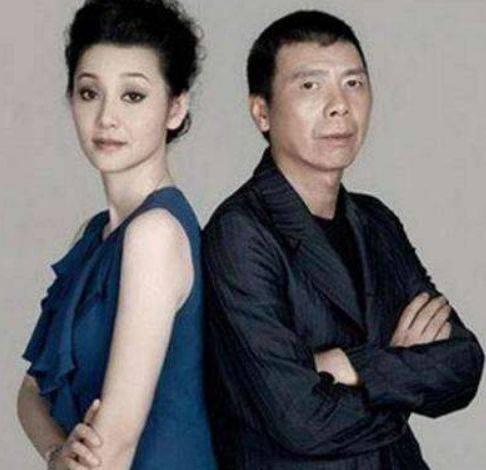 冯小刚和徐帆的女儿_冯小刚前妻和现任差距明显,徐帆虽收获爱情,网友:前妻胜了