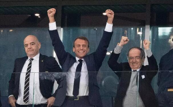 法国队以1:0力克比利时 法国总统乐开了花
