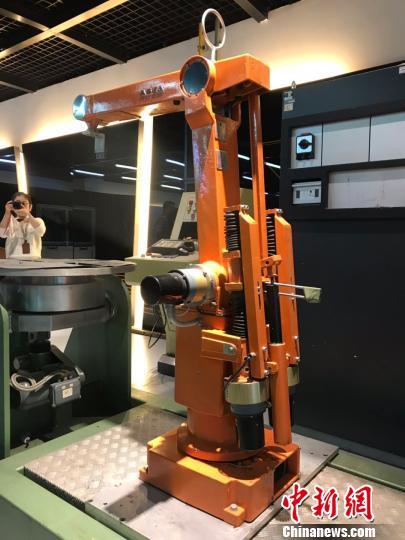 用机器人制造机器人 上海将建ABB全球最先进机器人工厂